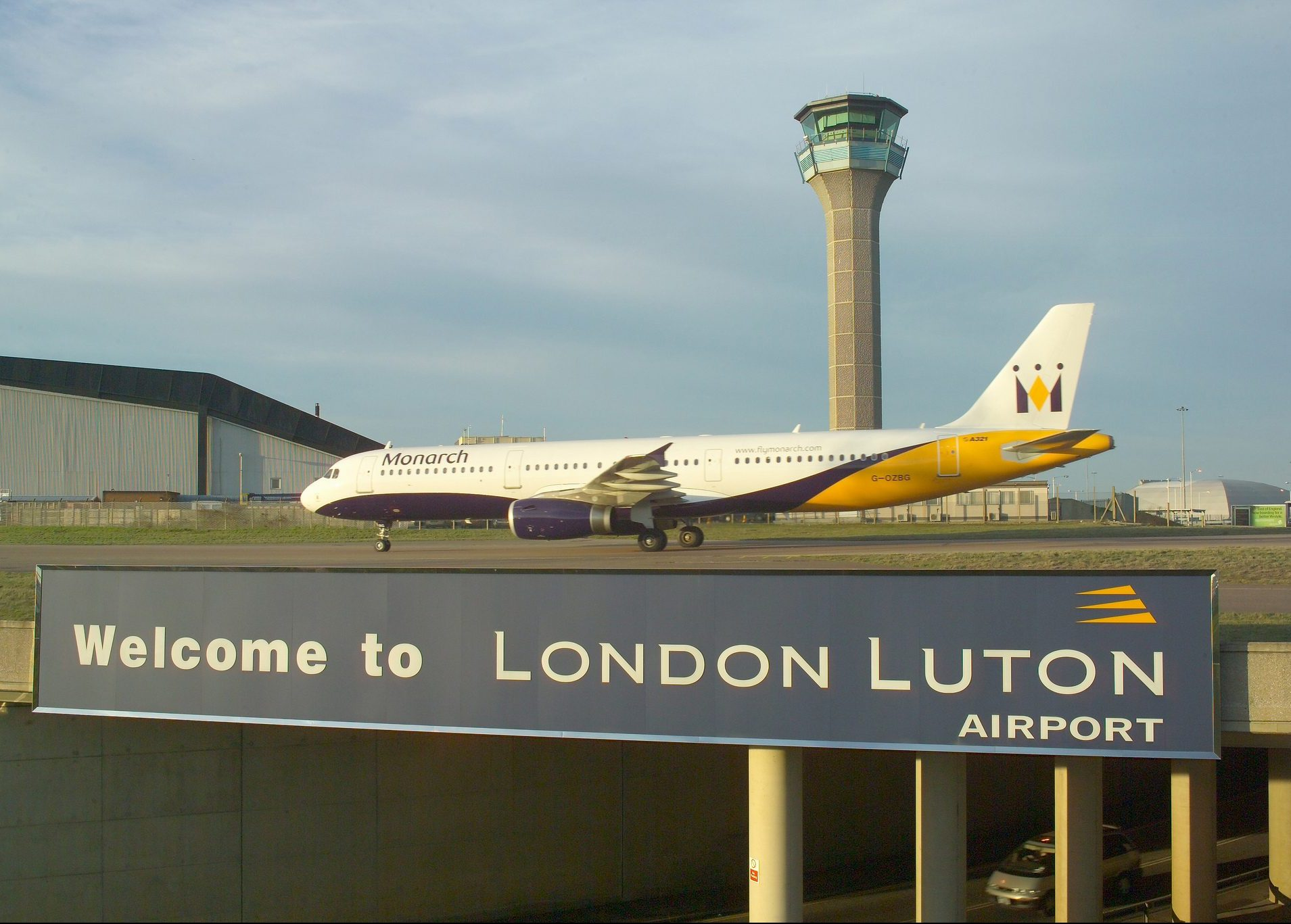 Luton Airport f e1585527731734